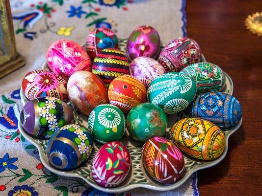 041514-Easter Eggs.rc00170.JPG