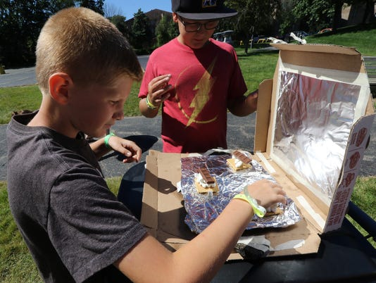 Making solar Smore ovens at Suburban YMCA