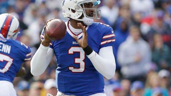 Buffalo Bills quarterback EJ Manuel (3) passes against the New York Jets.