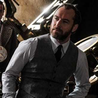 'Fantastic Beasts' cast talks impeachment spells, Johnny Depp startles fans at Comic-Con