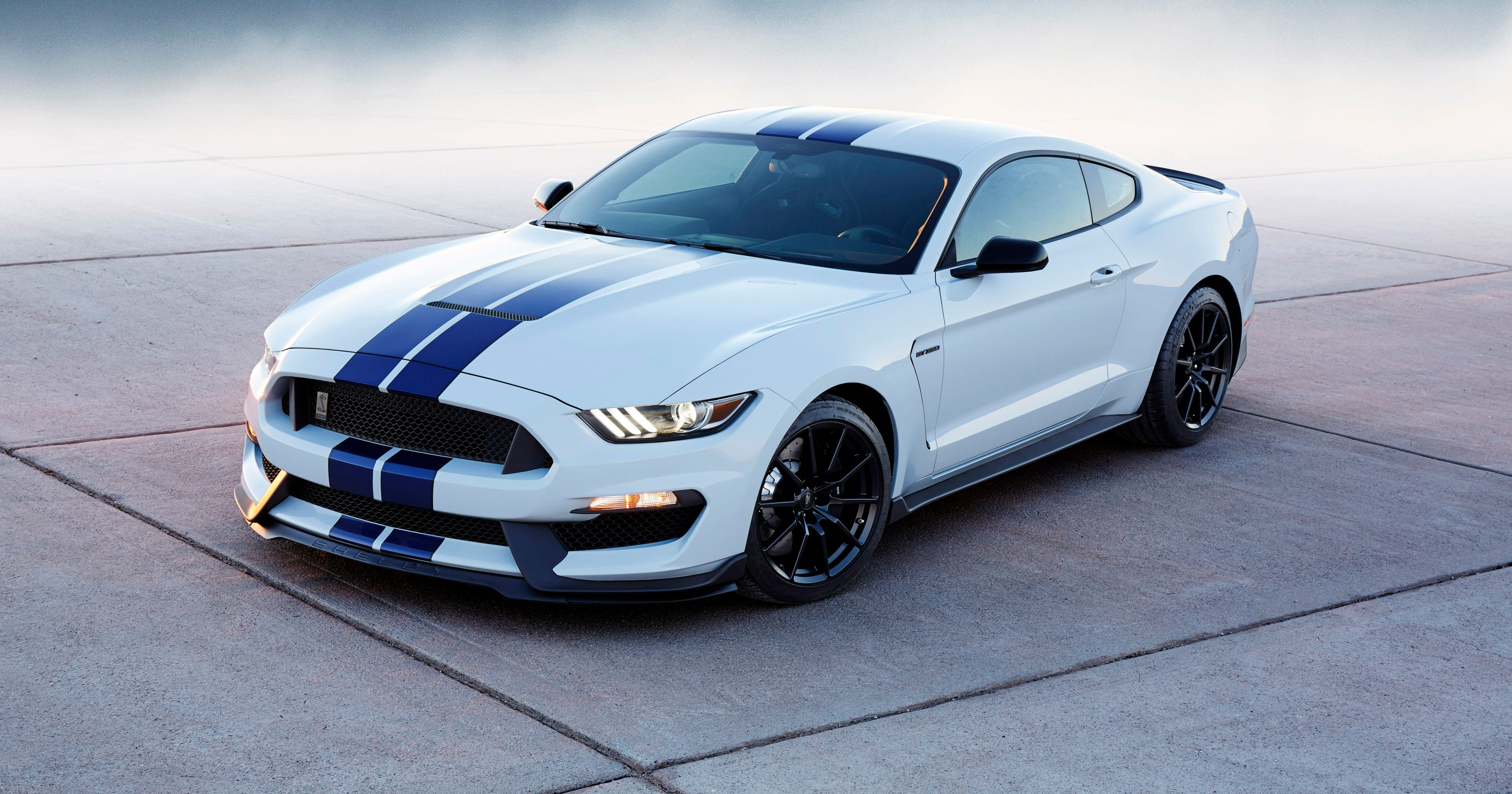 Mustang GT350 gets exotic 500-hp V-8, reshaped front