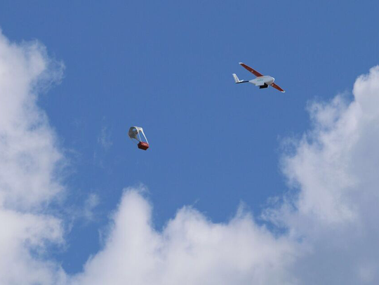 Unlike quadcopter drones that lower their cargo to