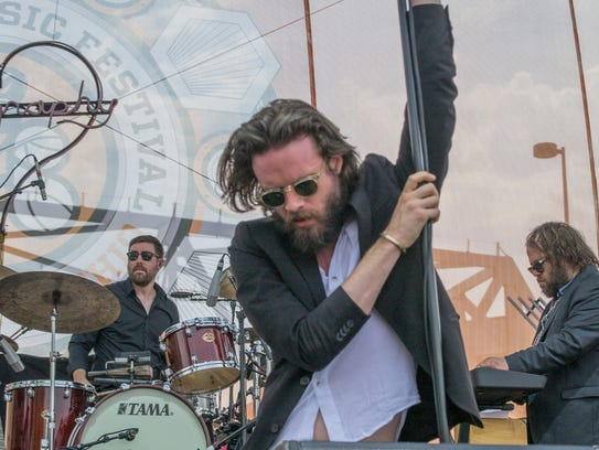 Father John Misty gave a crowd-pleasing performance