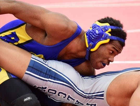 Local matmen place in WWAC tournament