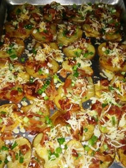 SlicedBakedPotatoes+Toppings