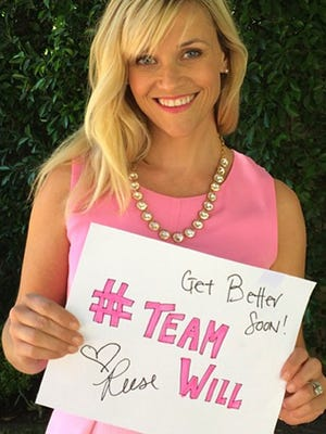 """Reese Witherspoon dresses up as her """"Legally Blonde"""" character for boy with cancer."""