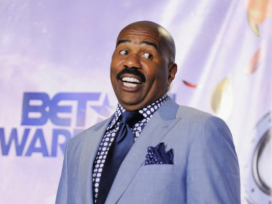steve harvey doubles down on flint jokes mayor wants public apology