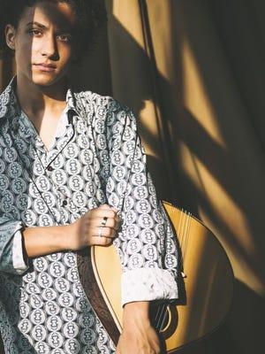Gaspar Varela, jovem prodígio da guitarra portuguesa que recentemente acompanhou Madonna na sua digressão Madame X.