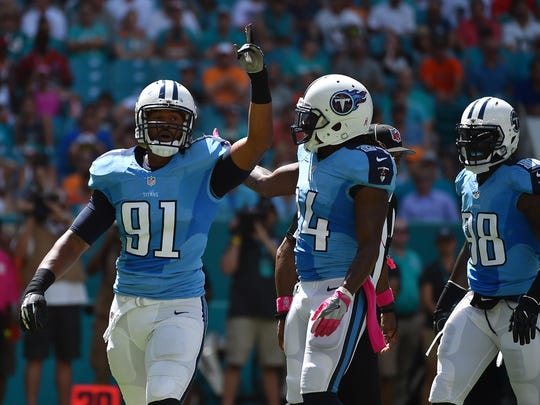 Titans outside linebacker Derrick Morgan (91) celebrates