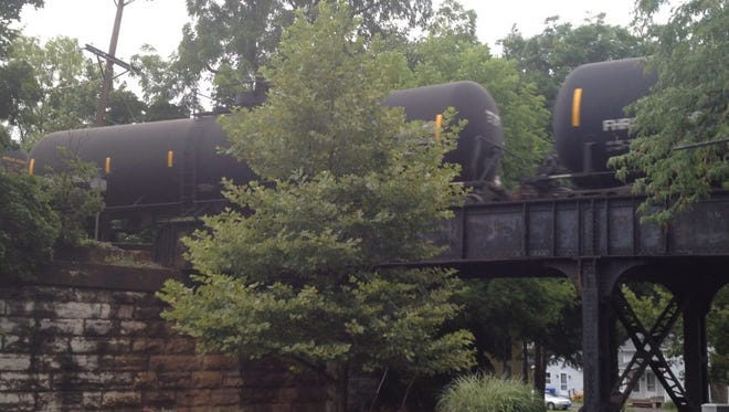 A crude-oil train on the CSX West Shore line in Pittsford.