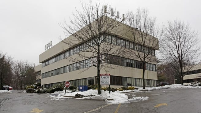Ossining school district has signed a lease for 15,000-square-feet of space at 400 Executive Boulevard in Ossining for its administrative offices.