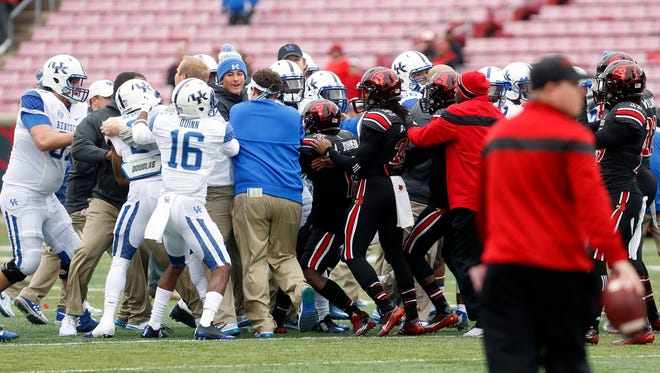 Louisville and Kentucky had a little skirmish before the game. 