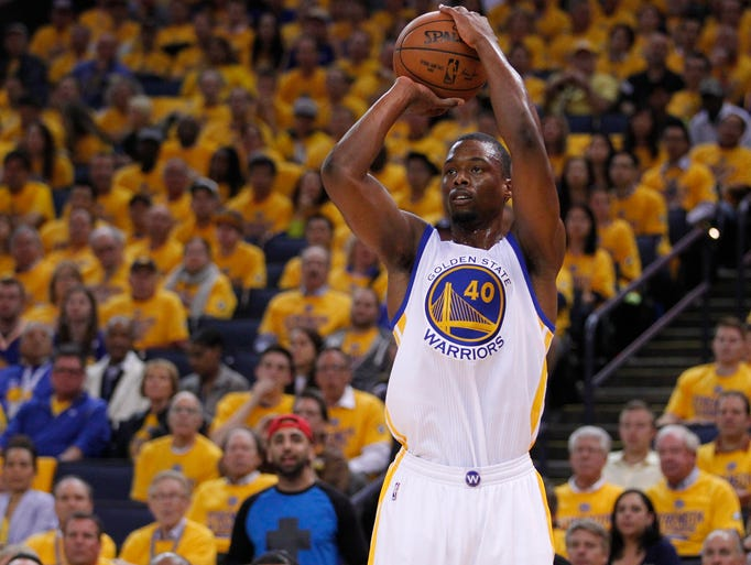 Golden State Warriors forward Harrison Barnes (40)