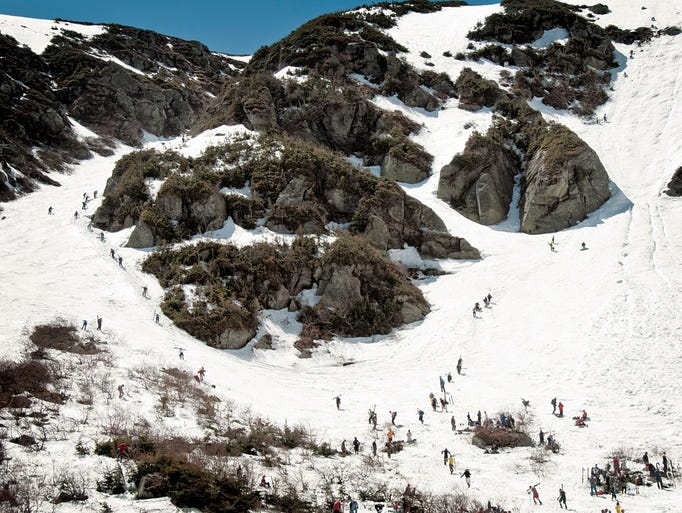 An icon of New Hampshire backcountry skiing,Tuckerman Ravinein MountWashington nestled in the White Mountains doesn't get the most snow when it comes to backwoods locales. But at an average of 50 feet each year, it boasts enough snow for epic yo-yo loops through its gullies and chutes.