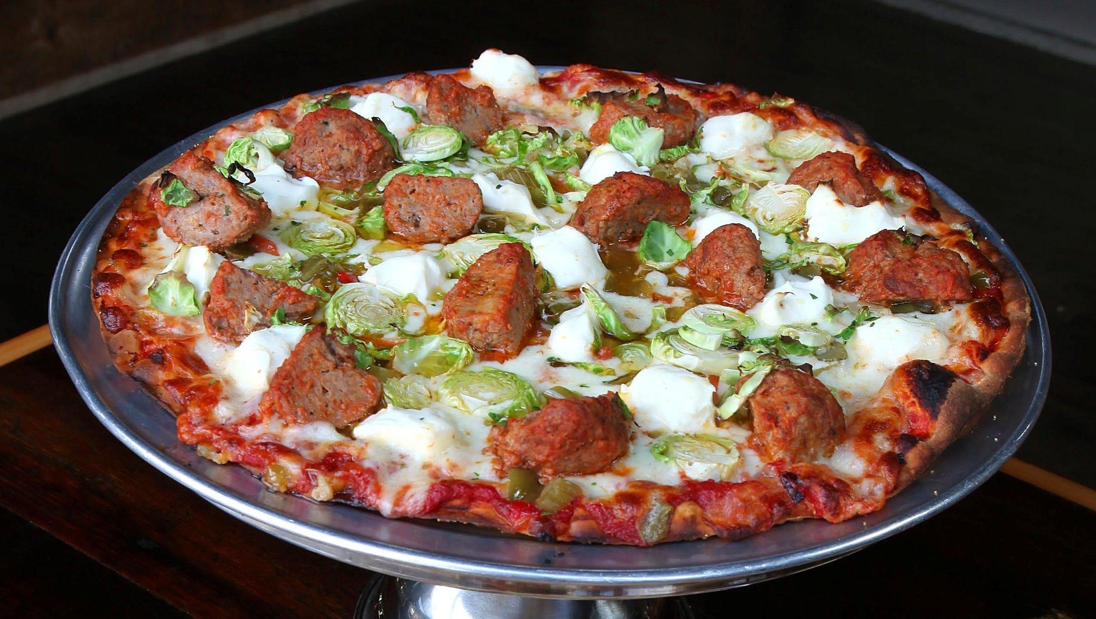 Pizza Man In Tosa Oak Creek Adds Lunch Buffet