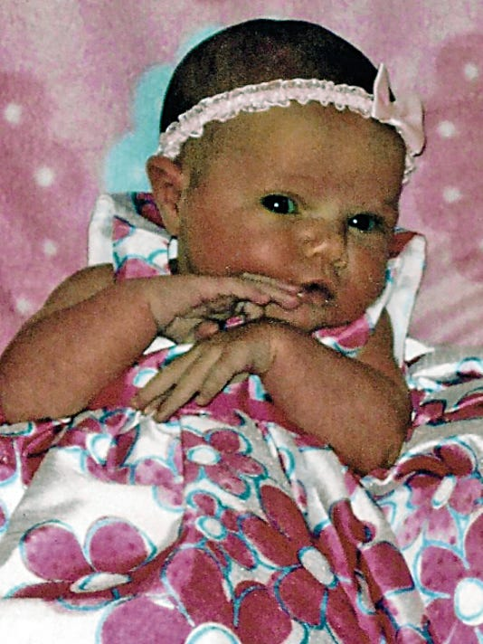 Tay and Bobbie McNatt of Alamogordo would like to announce the birth of their daughter Ava Marie McNatt. Ava arrived at 8:17 a.m. on Tuesday, June 23, 2015, at Lincoln County Hospital.