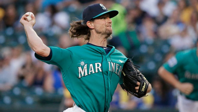 Mike Leake, the starter the Mariners acquired from the Cardinals this week, allowed just two runs over seven innings in Seattle's 3-2 win over Oakland on Friday.