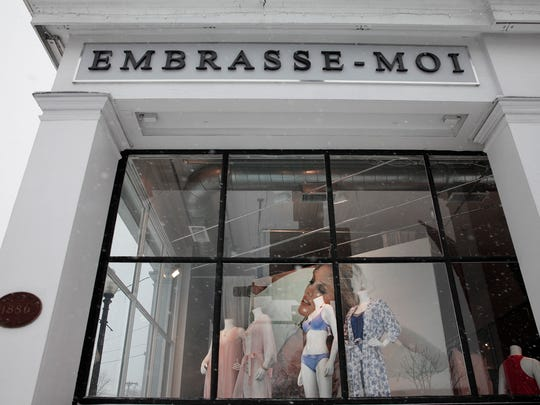The storefront of Embrasse-Moi in Pittsford