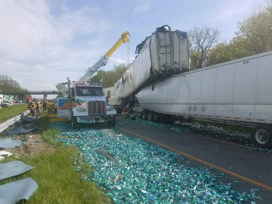 Tractor-trailers crash on Thruway, resulting in serious injury