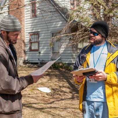 Ron Jones takes part in a BC Vision survey given Friday by Adam Heikkila.