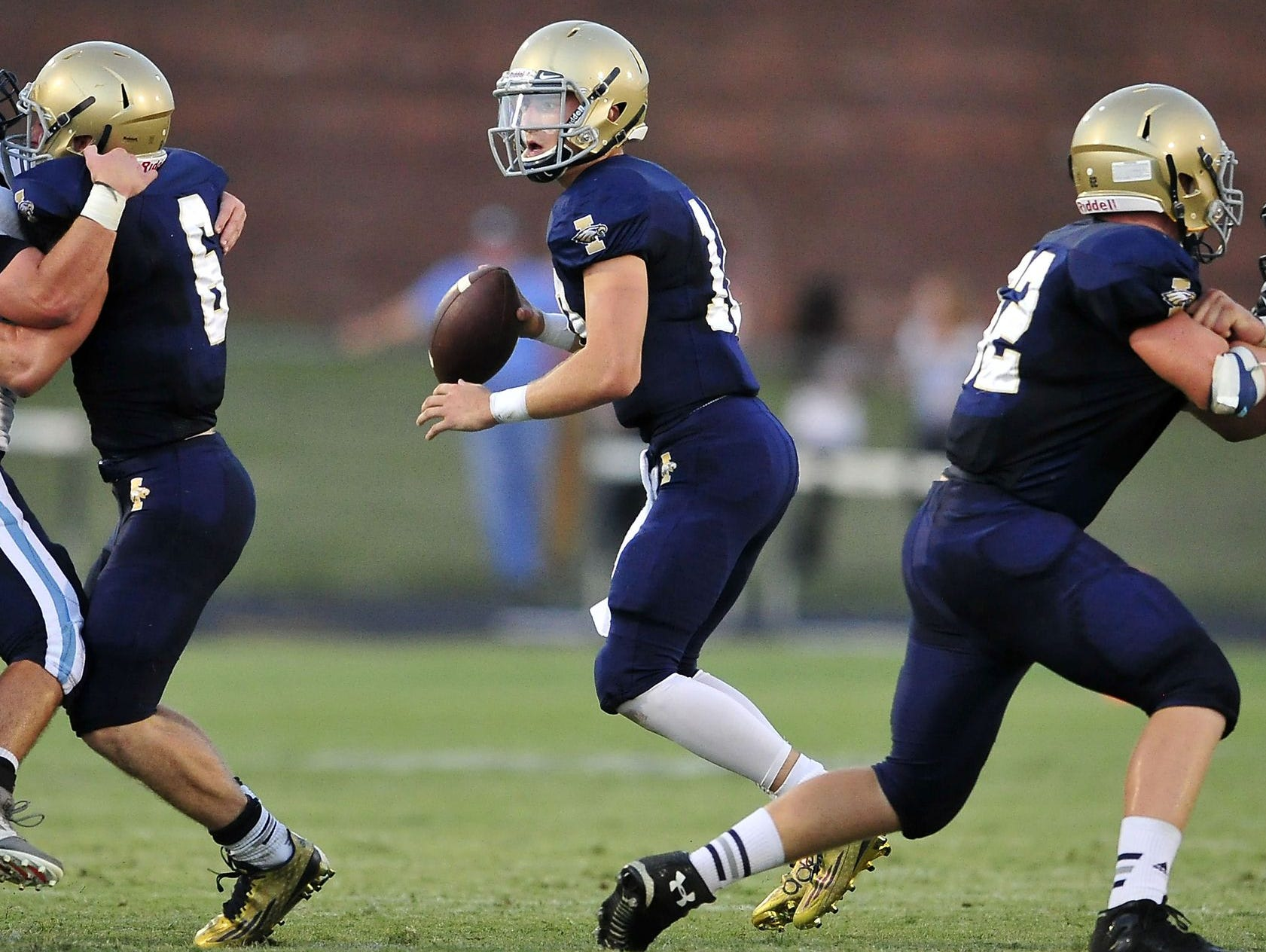 Independence quarterback Andrew Bunch.