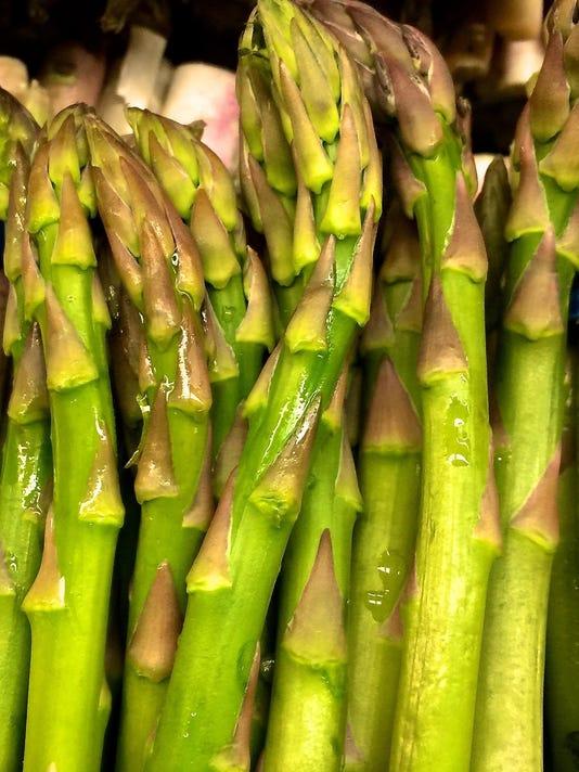 Gardening-Asparagus (2)