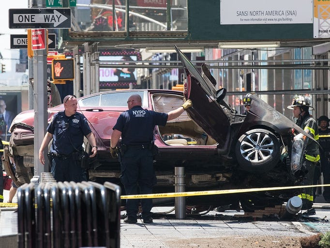 Car Rams Into Crowd In New York S Times Square Video