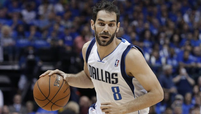 New Knicks guard Jose Calderon says he would love to get the chance to play with Carmelo Anthony.