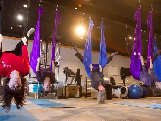 Aerial yoga_03.jpg