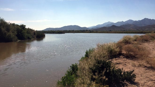 West Valley communities envisionnew development and recreation opportunities with a restored Gila River.