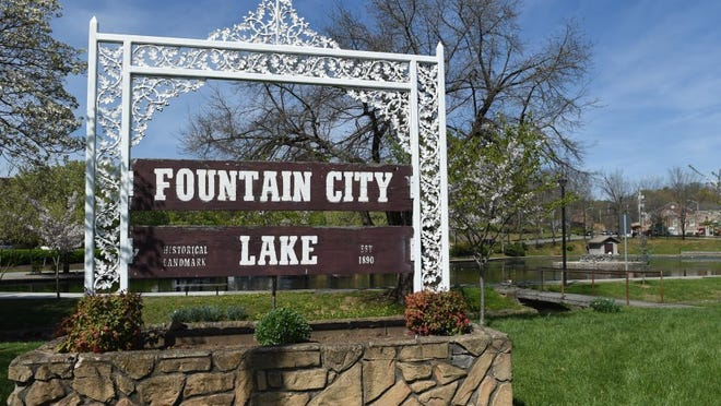 The Fountain City lake Wednesday, March 30, 2016. (AMY SMOTHERMAN BURGESS /NEWS SENTINEL)