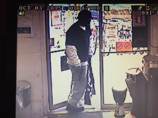 pawnshop robbery Henderson police are investigating a pawn shop robbery that happened friday afternoon officers responded about 3:30 pm to reports of a robbery at ez pawn, 36 w horizon ridge parkway near.