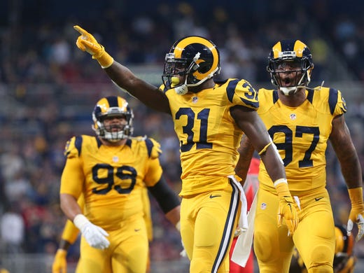 Foyer Home St Louis Reims : Rams host bucs in what could be final home game