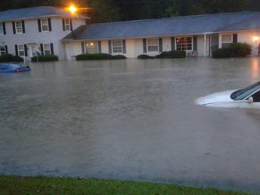 Flooding sweeps east amid 39 mind boggling 39 rains for 623 woodland terrace blvd