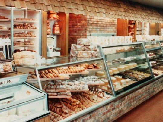 The bakery counter inside Roselyn Bakery.