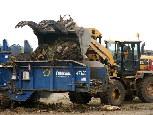 635715348897585187-0701-MVA-Composting-06