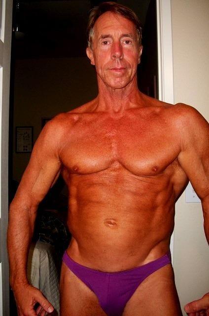 Bodybuilder gay Nude Photos 27