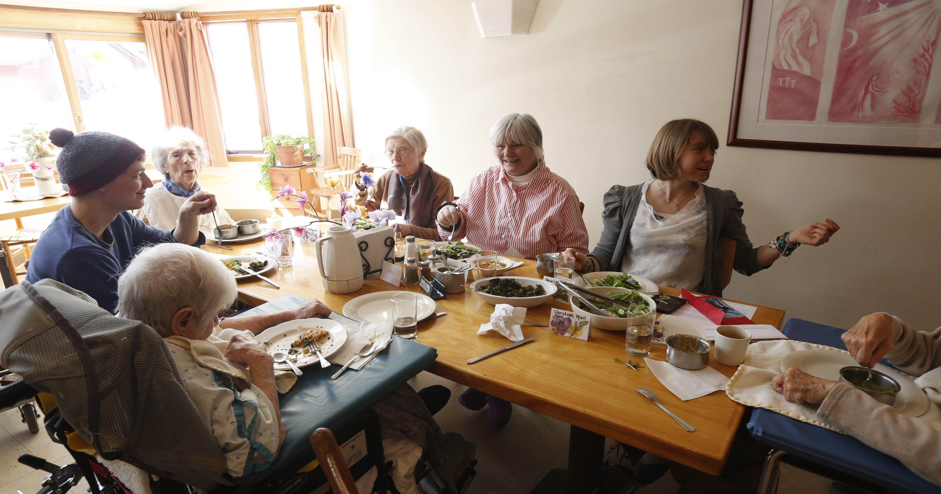 Help Your Loved One With Alzheimer's Eat Healthy Meals