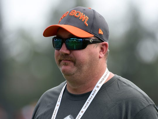 Green Bay Packers quarterbacks coach Alex Van Pelt during Team Irvin practice for the 2016 Pro Bowl at the Turtle Bay Resort.