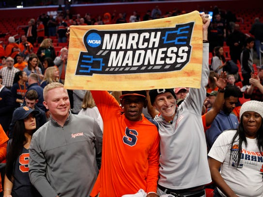 Mar 18, 2018; Detroit, MI, USA; Syracuse Orange fans