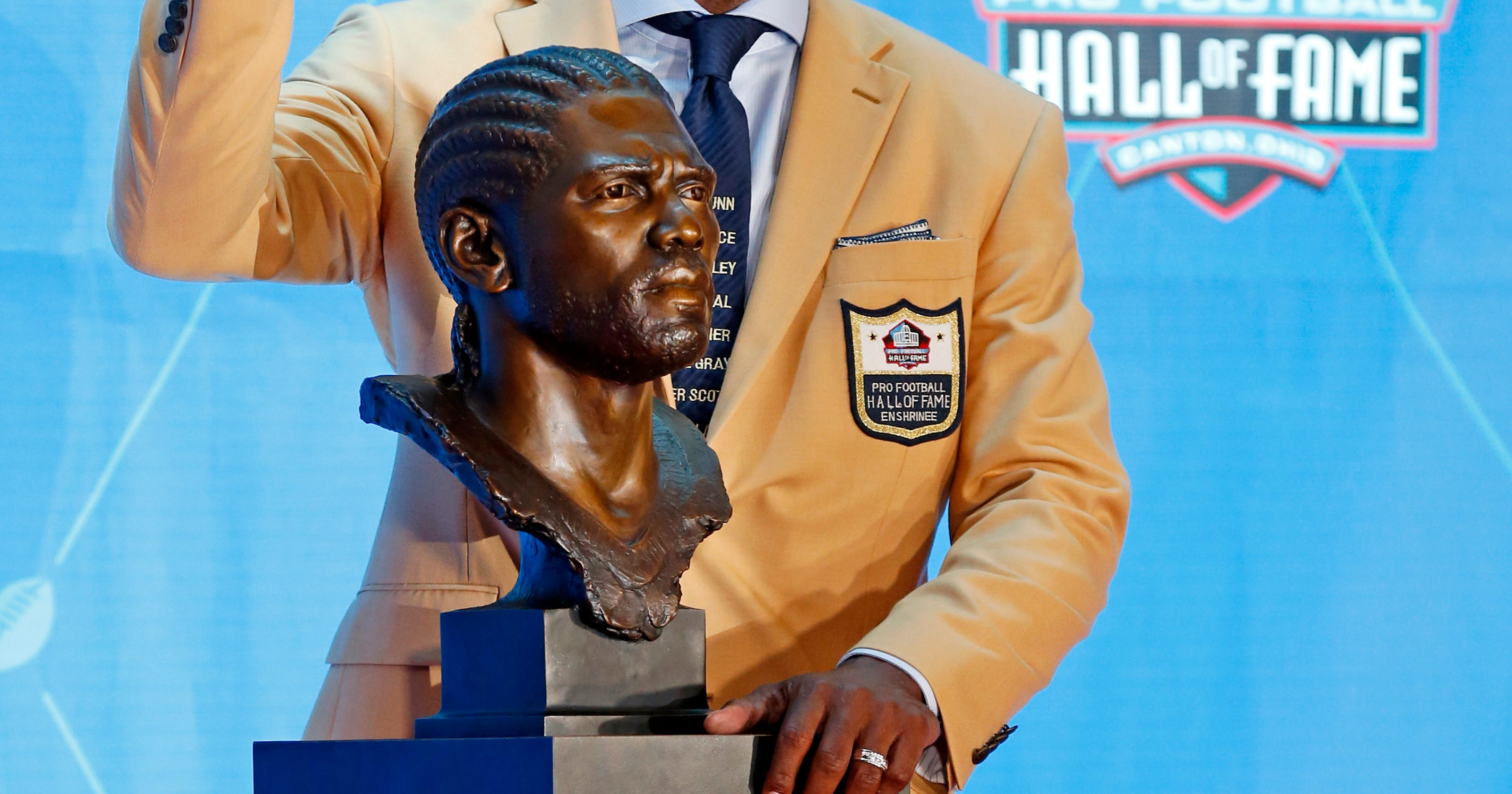 The Latest  Fiery Ray Lewis enters Hall of Fame e3271c23a