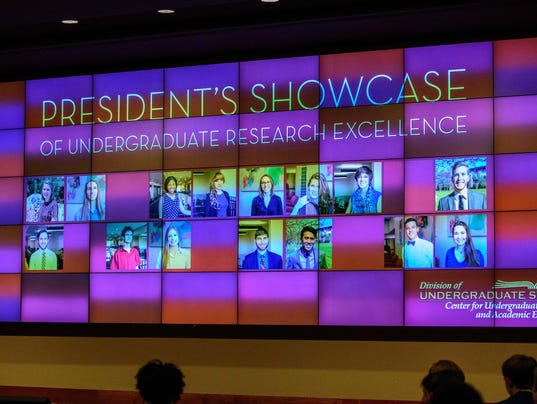636110363458662516-FSV-Presidents-Showcase-of-Undergraduate-Research-Excellence-BB-09272016-0004.jpg