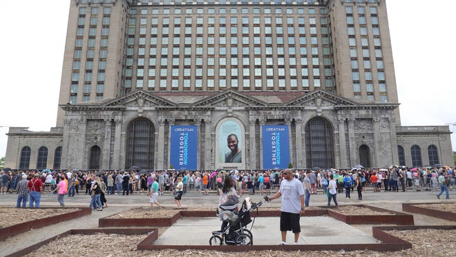 The line waiting to tour the Michigan Central Station in Detroit on Saturday, June 23, 2018.