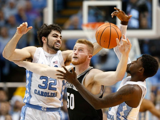 636494076935714628-Wofford-North-Carolina-Basketball.jpg