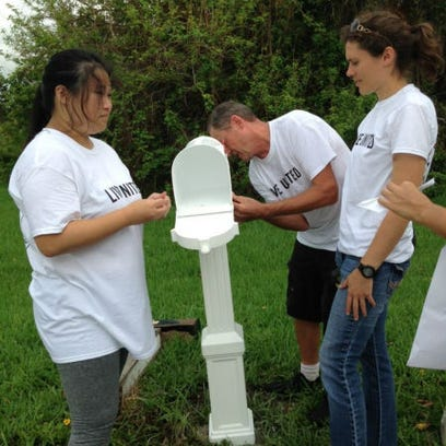 At the United Way Day of Caring volunteers spread out