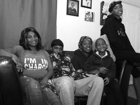 Sherri Hampton and her four children, left to right,