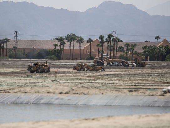 Construction of the Del Webb in Rancho Mirage with