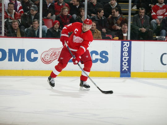 Nicklas Lidstrom on the ice during the Detroit Red Wings 5-0 loss to the Los Angeles Kings in Detroit, Mich. on Monday, December 13, 2010. JULIAN H. GONZALEZ/Detroit Free Press