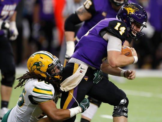 N_Dakota_St_N_Iowa_Football_44982.jpg