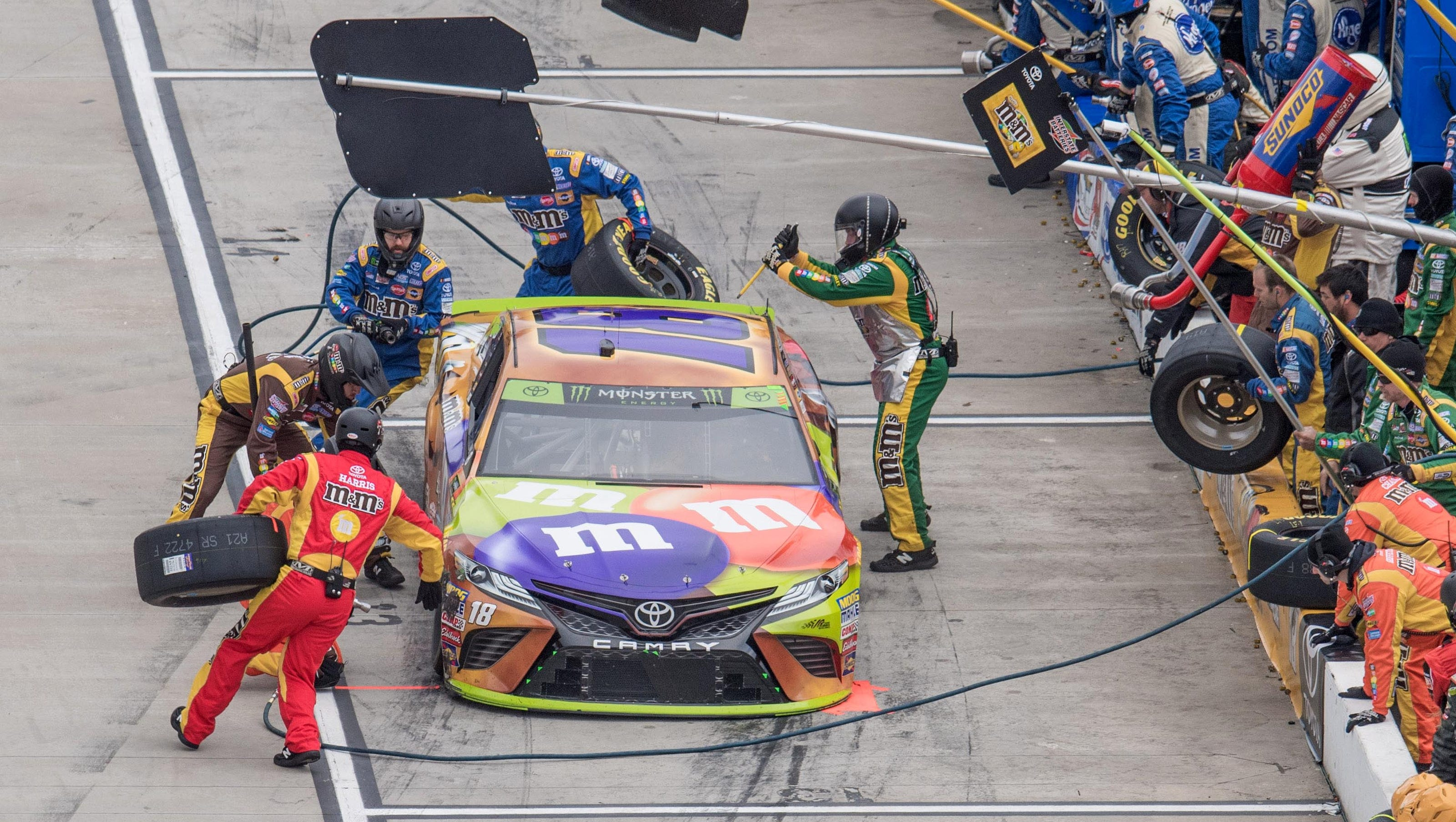 Nascar S New Pit Crew Rules Will Test Speed Athleticism Safety